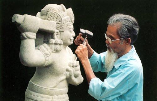 Nghệ nhân điêu khắc đá
